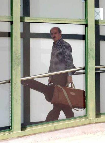 El abogado Fernando del Valle, detenido en la Operación Ballena Blanca, al salir de prisión en 2005.