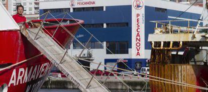 Barcos de Pescanova en el puerto de Vigo.