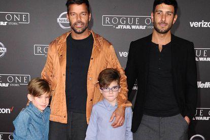 Ricky Martin y su ya marido Jwan Yosef, con Matteo y Valentino.