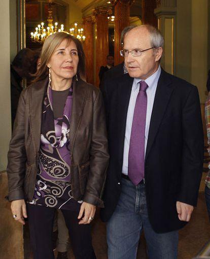 José Montilla y su mujer en el Liceo de Barcelona.
