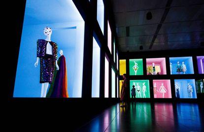 Aspecto de la exposición 'Camp: Notes on Fashion', en el Metropolitan Museum.