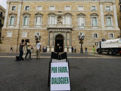 El president catalán Carles Puigdemont comparece a las 18.00 en el Parlament para explicar  la situación política