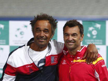 Noah y Bruguera posan durante la presentación del Francia-España, ayer en Lille.