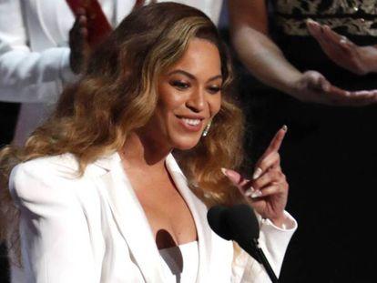 Beyoncé, en una entrega de premios en Los Ángeles, California, en marzo de 2019. En vídeo, el tráiler de 'Homecoming'.