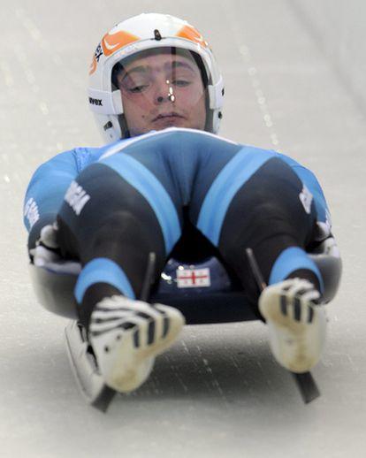 El georgiano Nodar Kumaritashvili falleció ayer tras salir de la pista de luge, durante los entrenamientos para los Juegos Olímpicos de Invierno de Vancouver (Canadá).
