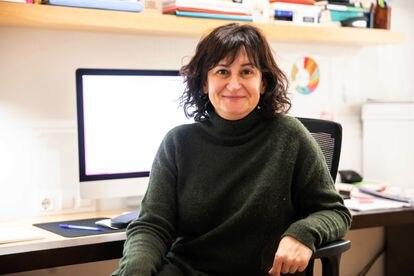 Raquel Martínez Buján, decana de Sociología de la Universidad de A Coruña, este miércoles en su casa.