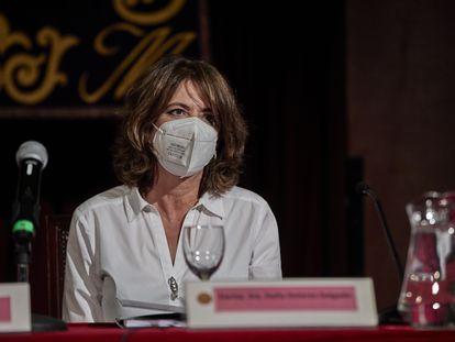 La fiscal general, Dolores Delgado, durante una conferencia en el Ateneo de Madrid, el 20 de abril.