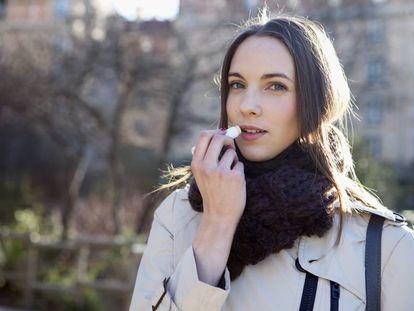 La vaselina o el cacao para los labios, un imprescindible de la cosmética de invierno