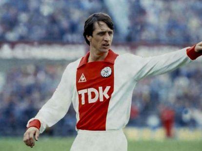 Johan Cruyff, durante un partido con el Ajax de Holanda.