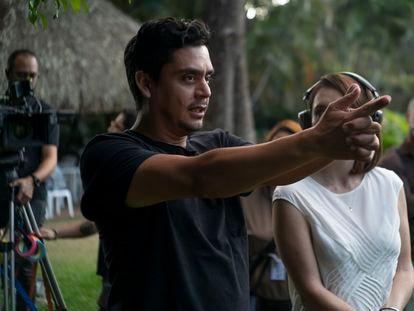 Jayro Bustamante, en 2019 en el rodaje de 'La llorona'.