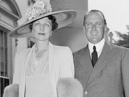 El príncipe Olav de Noruega y la princesa Marta, en su visita a la Casa Blanca en 1939.