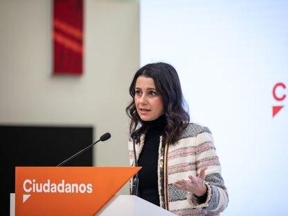 La presidenta de Ciudadanos, Inés Arrimadas, el lunes en rueda de prensa en la sede del partido.