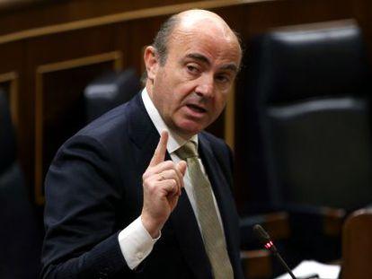 El ministro de Economía, Luis de Guindos, responsable de las políticas de ciencia