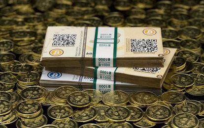 'Bitcoins' acuñados por Mike Caldwell, un entusiasta de esta moneda virtual en Sandy (Utah), y fotografiados el 31 de enero.