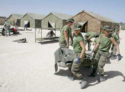 Integrantes del Cuerpo de Ingenieros del Ejército español en Nuadibú (Mauritania).