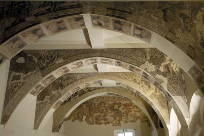 Las pinturas del Monasterio de Sijena se exponen en el MNAC desde 1960.