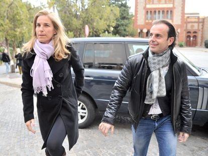 Arantxa Sánchez Vicario y su entonces todavía marido, Josep Santacana, en febrero de 2016 en Barcelona.