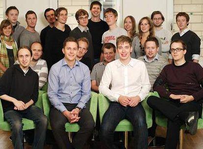 El equipo de Spotify, con Daniel Ek, con jersey a rayas, el segundo por la izquierda.