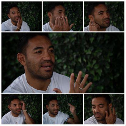 Una serie de imágenes de Marco Fabián, durante la entrevista.
