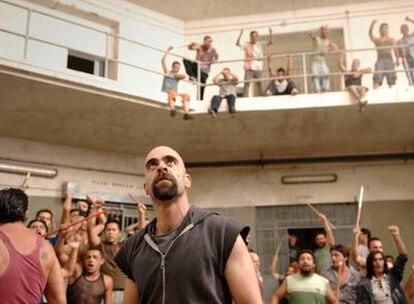 El actor Luis Tosar en la película carcelaria del director Daniel Monzón.