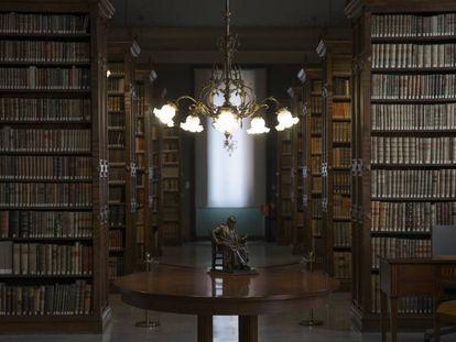 La biblioteca de la sede de la Real Academia Española.
