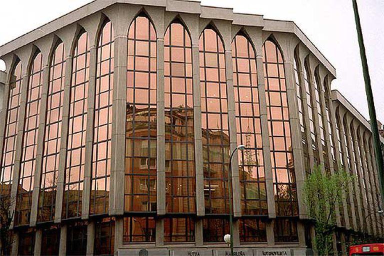 Sede de Mutua Madrileña  en la calle de Almagro de Madrid.