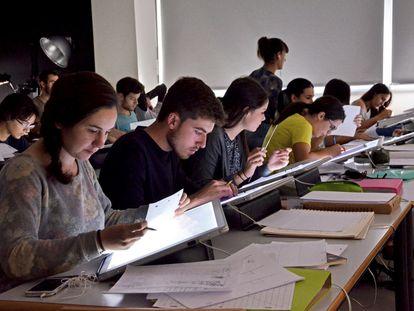 Clase del grado en Diseño y Tecnologías Creativas de la Universidad Politécnica de Valencia.