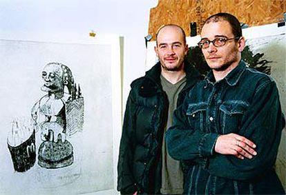 De izquierda a derecha, Jake y Dinos Chapman.