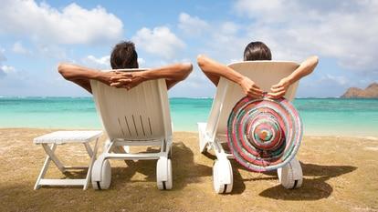 Descansar cerca del mar es uno de los placeres del verano. GETTY IMAGES