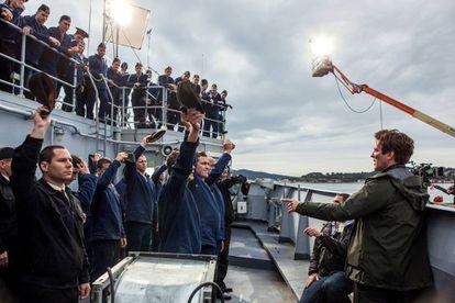Thomas Vinterberg, a la derecha, durante el rodaje.