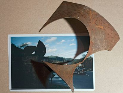 Una de las obras de la exposición 'Incurvar', de Asier Mendizabal.