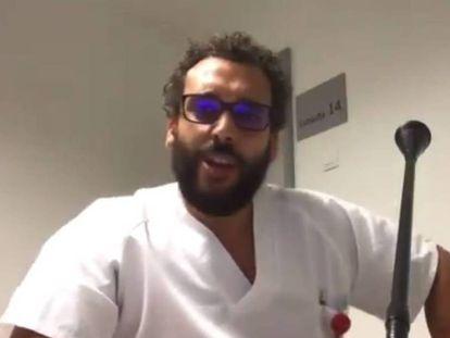 Jesús Candel, en uno de los vídeos de su cuenta de Twitter como Spiriman. En vídeo, su reacción a la investigación de la Fiscalía, colgada este miércoles en su cuenta de Facebook.