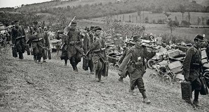 Las tropas francesas de Marne se mueven con ayuda de taxis.