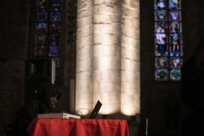 Concierto de KMRU en la basílica de Santa Maria del Mar.