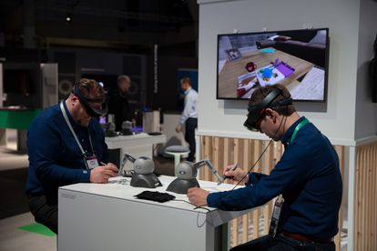 The Virtuous Circle Of 5G: Innovate, Patent, Standardize | 5G: The Future Is Now | Technology - Light Home News
