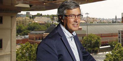 Ernesto Sáenz de Buruaga.