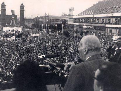 Josep Tarradellas, el día de su regreso a Barcelona, en 1977. / EUROPA PRESS