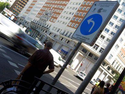 Acceso a Madrid Central en la plaza de España de Madrid.