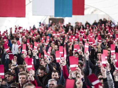 Concentración en apoyo al opositor Navalny este domingo en Moscú.