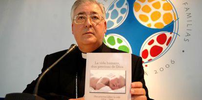 José Antonio Reig Plá, en el V Encuentro Mundial de la Familia de 2006.
