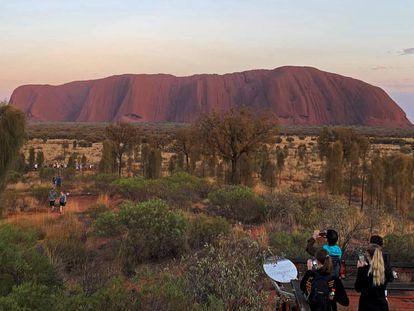 Vista del monte Uluru, en Australia.