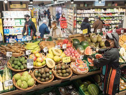 Un supermercado del País Vasco, en una imagen tomada a principios de mayo.