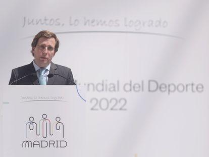 """El alcalde José Luis Martínez-Almeida en el Ayuntamiento de Madrid durante el acto de celebración por la proclamación de la ciudad como """"capital mundial del deporte 2022"""", celebrado el pasado jueves."""
