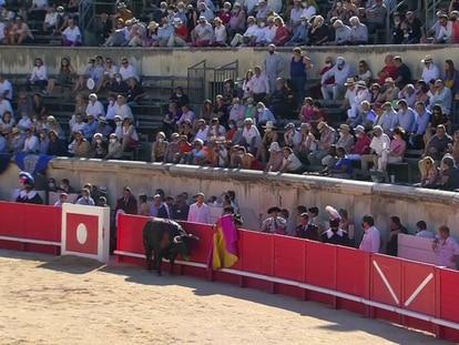 El primer toro de la tarde volvió vivo a los corrales.