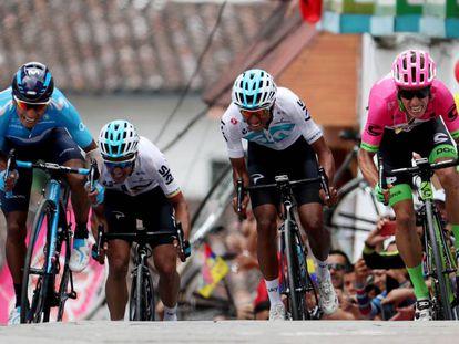 Quintana, Henao, Bernal y Urán, en la línea de meta.