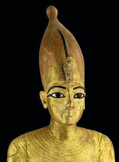 Torso de Tutankamón como el rey del alto Egipto.
