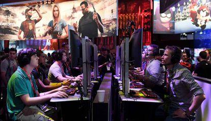 Un grupo de jugadores, durante la pasada edición de la Electronic Entertainment Expo.