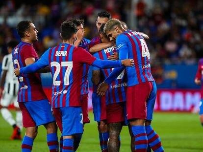 Los jugadores del Barça festeja un gol frente a la Juve en el Gamper.