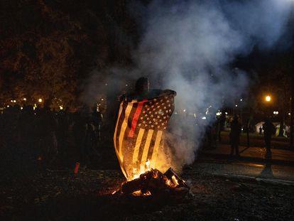 Una protesta en Portland durante la madrugada de este miércoles.