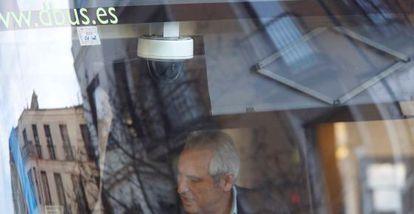 Una de las cámaras instaladas en los autobuses municipales donostiarras.
